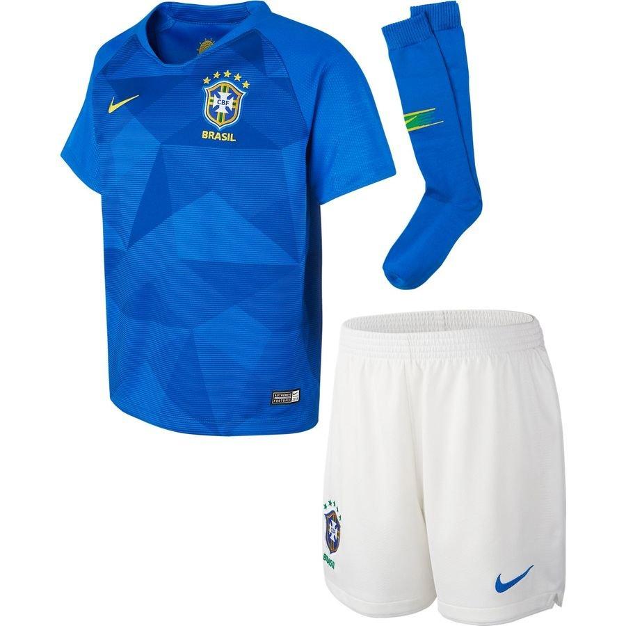 Десткий коплект игровой формы сборной бразилии